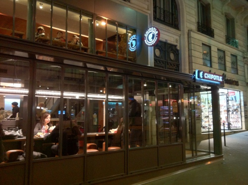 Chipotle Paris: Outside